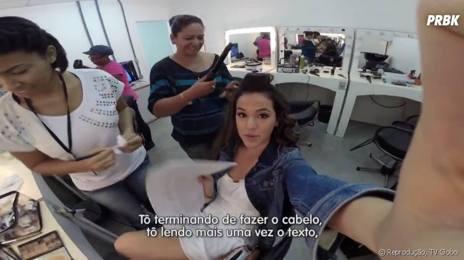 """A atriz Bruna Marquezine chega às nove horas da manhã nos estúdios de """"Em Família"""" e começa a fazer a maquiagem e o cabelo"""