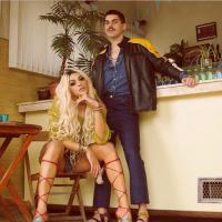 """Pabllo Vittar divulga capa de """"Corpo Sensual"""", seu novo single, com Mateus Carrilho!"""