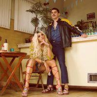 """Pabllo Vittar libera clipe de """"Corpo Sensual"""" em parceria com Mateus Carrilho e deixa fãs babando!"""