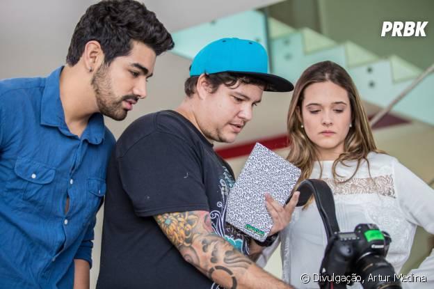 Juliana Paiva participa da gravação do clipe de Dilsinho