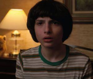 """De """"Stranger Things"""": Eleven (Millie Bobby Brown) aparece para Mike (Finn Wolfhard) em teaser da segunda temporada!"""