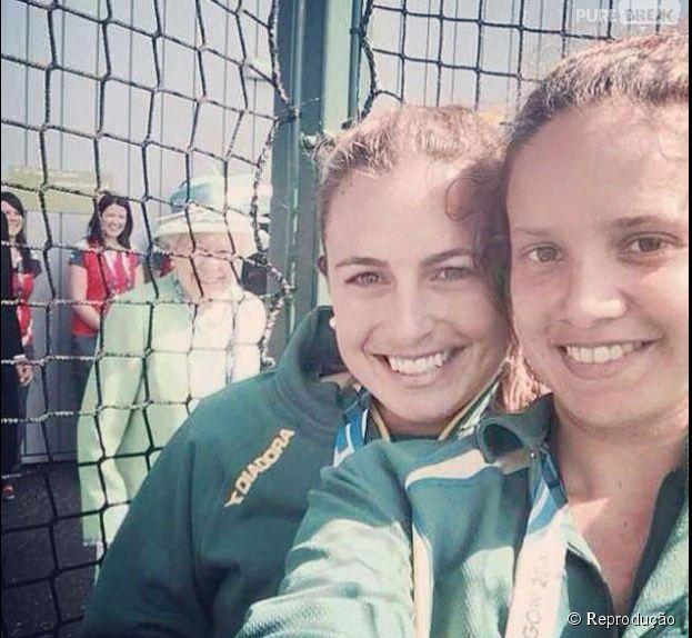 Rainha Elizabeth II invade selfie de jogadoras australianas