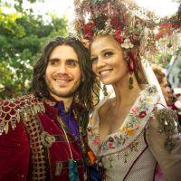 """Em """"Meu Pedacinho de Chão"""": Milita e Viramundo finalmente se casam!"""