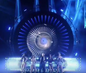 """Latin American Music Awards: Fifth Harmony e Pitbull se apresentam com """"Por Favor"""""""