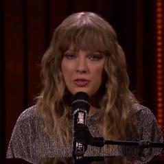 "Taylor Swift surpreende fãs e canta ""New Year's Day"" no programa do Jimmy Fallon!"