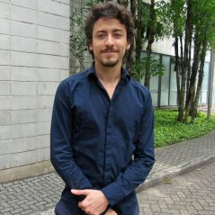 """Jesuíta Barbosa será o vilão de """"Verão 90º"""", novela com Rafael Vitti e Nicolas Prattes!"""