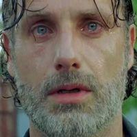 """Em """"The Walking Dead"""", Rick aparece pelado e fãs suspeitam: """"Virou um escravo sexual?"""""""