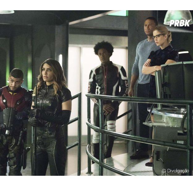 """Em """"Arrow"""", equipe de Oliver (Stephen Amell) entra em conflito"""