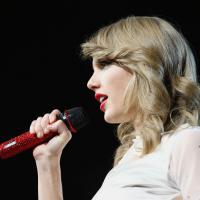 Taylor Swift divulga vídeo misterioso e agita os fãs nas redes sociais