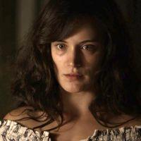 """Novela """"O Outro Lado do Paraíso"""": Clara (Bianca Bin) se envolve em crime e fica desesperada!"""