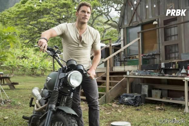 """Chris Pratt estrela """"Jurassic World"""", novo filme da franquia de dinossauros"""