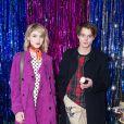 """Os atores Natalia Dyer e Charlie Heaton, ambos estrelas da série """"Stranger Things"""", estão namorando"""