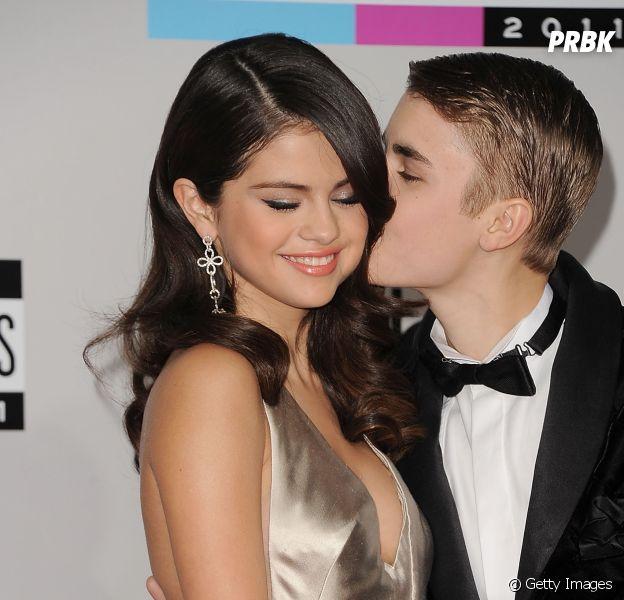 Selena Gomez e Justin Bieber voltaram esse ano, para a alegria de todos os fãs. Nosso Jelena está vivíssimo!