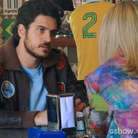 """Em """"Boogie Oogie"""": Rafael quer desistir do noivado com Vitória"""