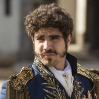 Caio Castro ficará um ano longe da TV para viajar pela Europa, afirma jornalista!