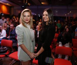 """Vitória (Bianca Bin) e Sandra (Isis Valverde) foram trocadas na maternidade em """"Boogie Oogie"""""""