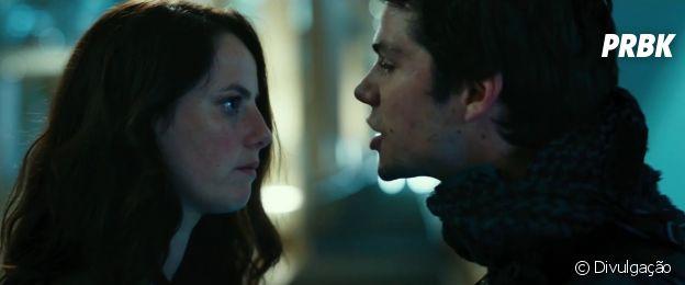 """Teresa (Kaya Scodelario) e Thomas (Dylan O'Brien) tem uma química impressionante em """"Maze Runner: A Cura Mortal"""""""