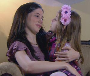 """Em """"Carinha de Anjo"""", Dulce Maria (Lorena Queiroz) se afasta de Cecília (Bia Arantes)"""
