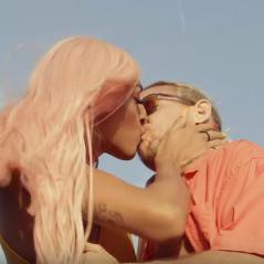 """Pabllo Vittar fala sobre beijo em Diplo no clipe """"Então Vai"""": """"Melhor da minha vida"""""""