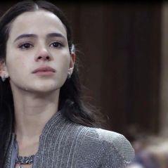 """Novela """"Deus Salve o Rei"""": Catarina (Bruna Marquezine) acusa Amália por guerra entre os reinos!"""