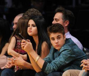 Site diz que Justin Bieber e Selena Gomez estão dando um tempo, mas casal é visto junto no mesmo dia!
