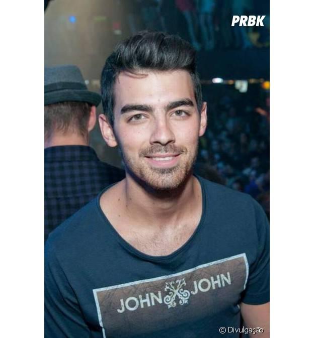 Joe Jonas curte show de Lucas Lucco em São Paulo