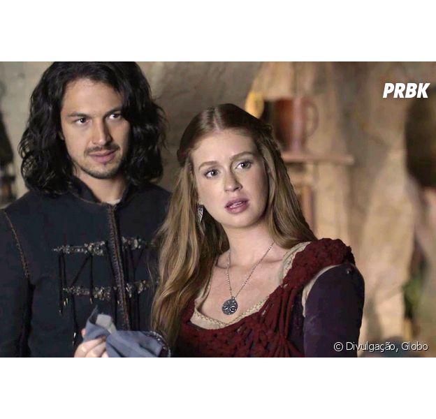 """Em """"Deus Salve o Rei"""", Amália (Marina Ruy Barbosa) e Afonso (Romulo Estrela) fogem de Rodolfo (Johnny Massaro)"""