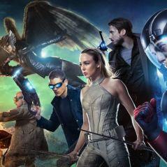 """Em """"Legends of Tomorrow"""": na 3ª temporada, vilão e líder de heróis morrem na season finale!"""