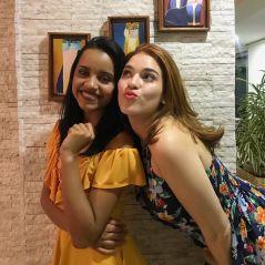 """Pós-""""BBB18"""": Ana Clara e Gleici se reencontram no Rio. """"Amor do bem"""""""