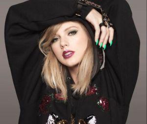 """Taylor Swift arrasa no show de estreia de sua turnê e canta """"Shake It Off"""" ao lado de Camila Cabello e Charli XCX"""