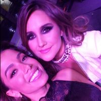 Anitta tira foto com ex-RBD Dulce Maria durante premiação no México!