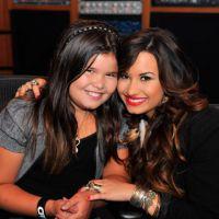 """Demi Lovato se revolta com """"fã"""" e defende irmã de bullying na rede"""