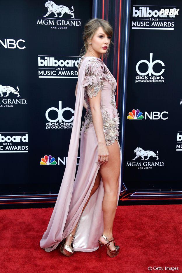 De surpresa, Taylor Swift aparece no Billboard Music Awards 2018 e rouba os flashes