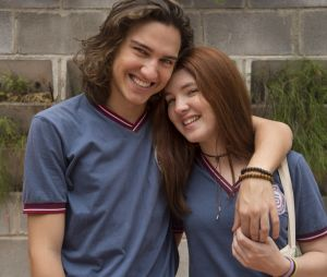 """Em """"Malhação"""", Tito (Tom Karabachian) gosta mesmo é de Flora (Jeniffer Oliveira)"""