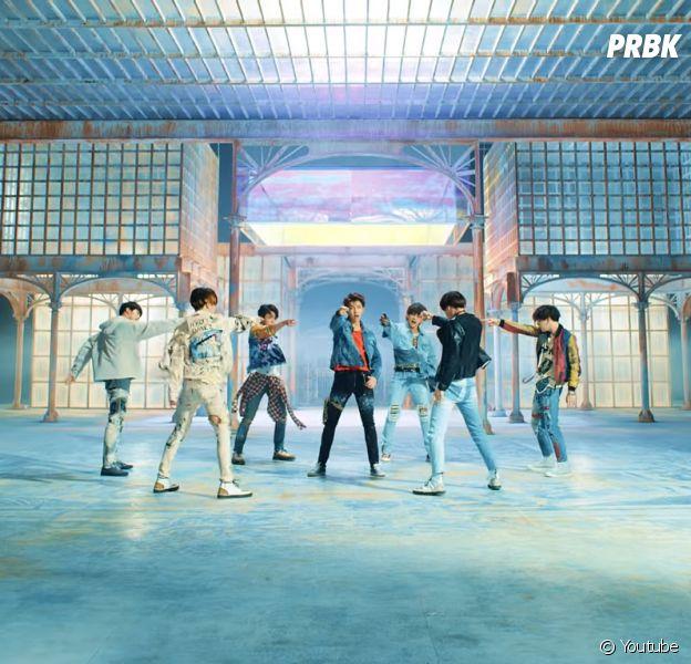 """Com """"Love Yourself: Tear"""",BTS ocupa o 1º lugar da parada de álbuns da Billboard americana"""