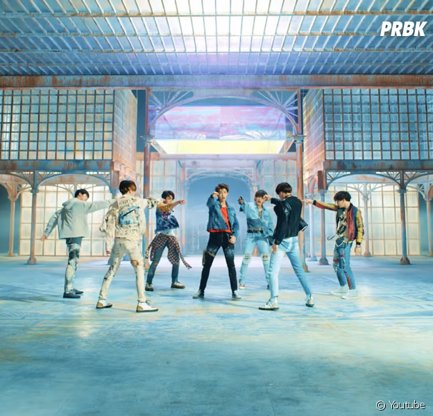 "Fake Love Wallpapers: BTS Bate Recorde Na Billboard E ""Love Yourself: Tear"" é O"