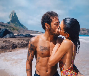 Bruna Marquezine quer estar pertinho de Neymar durante a Copa do Mundo. Tá certíssima!