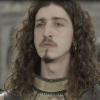 "Novela ""Deus Salve o Rei"": Rodolfo volta a ser rei após golpe!"