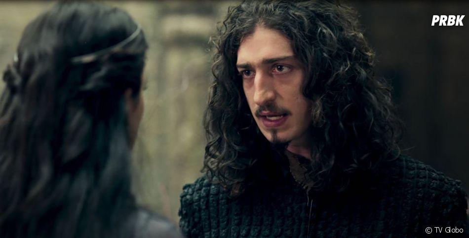 """Em """"Deus Salve o Rei"""", Rodolfo (Johnny Massaro) encontra o tesouro de Margô (Cristina Mutarelli) sem querer e volta a ser rei"""