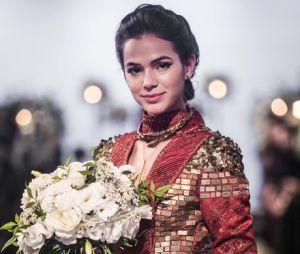 """Bruna Marquezine aparece vestida de noiva para viver Catarina em """"Deus Salve o Rei"""""""