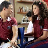 """Novela """"As Aventuras de Poliana"""": aluna nova, Gabriela chega na escola e agita a trama"""