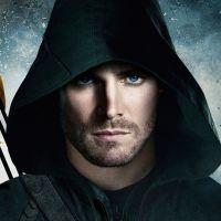 """Em """"Arrow"""": Stephen Amell diz que Oliver Queen não será preso na 7ª temporada"""