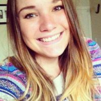 19 mulheres bonitas que você não adicionaria se usassem essas fotos de perfil