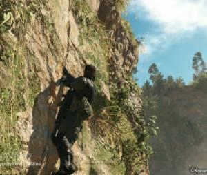 """Solid Snake troca de roupa e escala pedras no game """"Metal Gear V: The Phantom Pain"""""""
