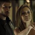"""Em """"Segundo Sol"""", Ícaro (Chay Suede) salva Laureta (Adriana Esteves) de Karola (Deborah Secco)"""