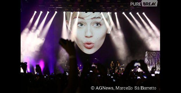 Telão atrás do palco do show de Miley Cyrus no Rio de Janeiro