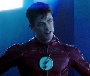 """Crossover novo? Jensen Ackles aparece no set de """"Arrow"""" e """"The Flash"""" e a gente não está sabendo lidar"""
