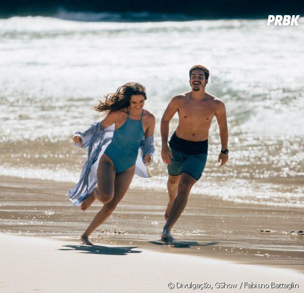 """Em """"O Tempo Não Para"""": Samuca (Nicolas Prattes) e Marocas (Juliana Paiva) curtem lua de mel no Rio de Janeiro"""