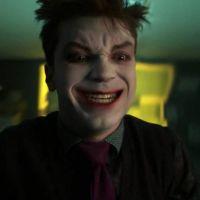 """Novo trailer do final de """"Gotham"""" mostra onde o Coringa surgiu!"""
