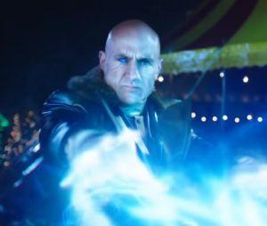 """Teaser de """"Shazam!"""" mostra novas cenas de lutas com o vilão"""